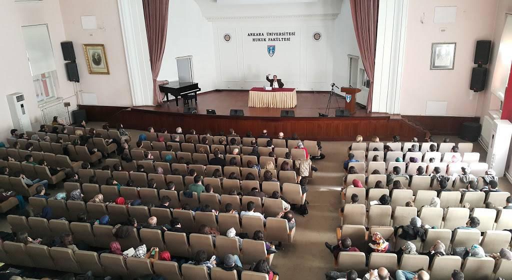 سالن کنفرانس دانشگاه آنکارا