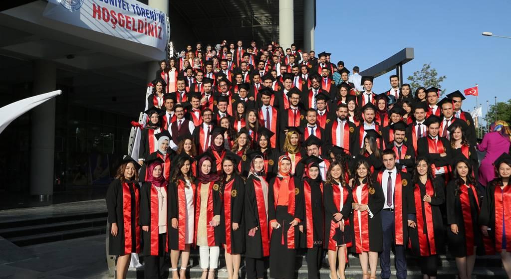 فارغ التحصیلان دانشگاه ارجیس
