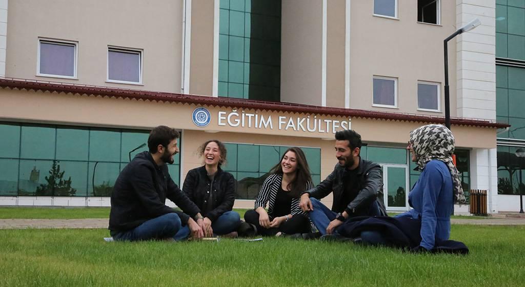 دانشکده مهندسی دانشگاه جمهوریت