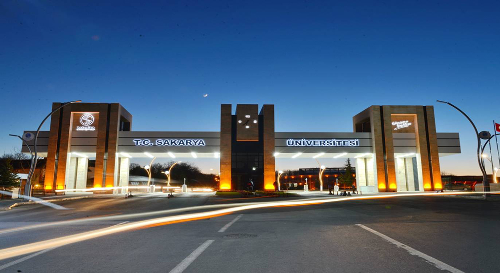 دانشگاه ساکاریا در شب